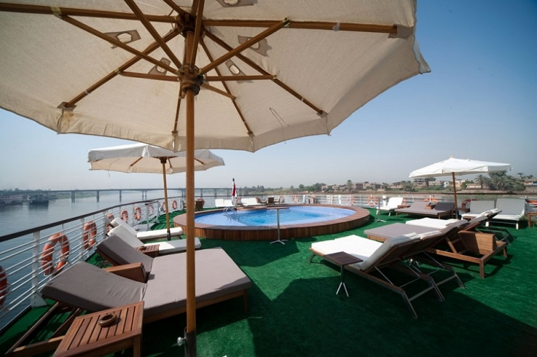 Farah Nile Cruise - Sun Deck - Swimming Pool