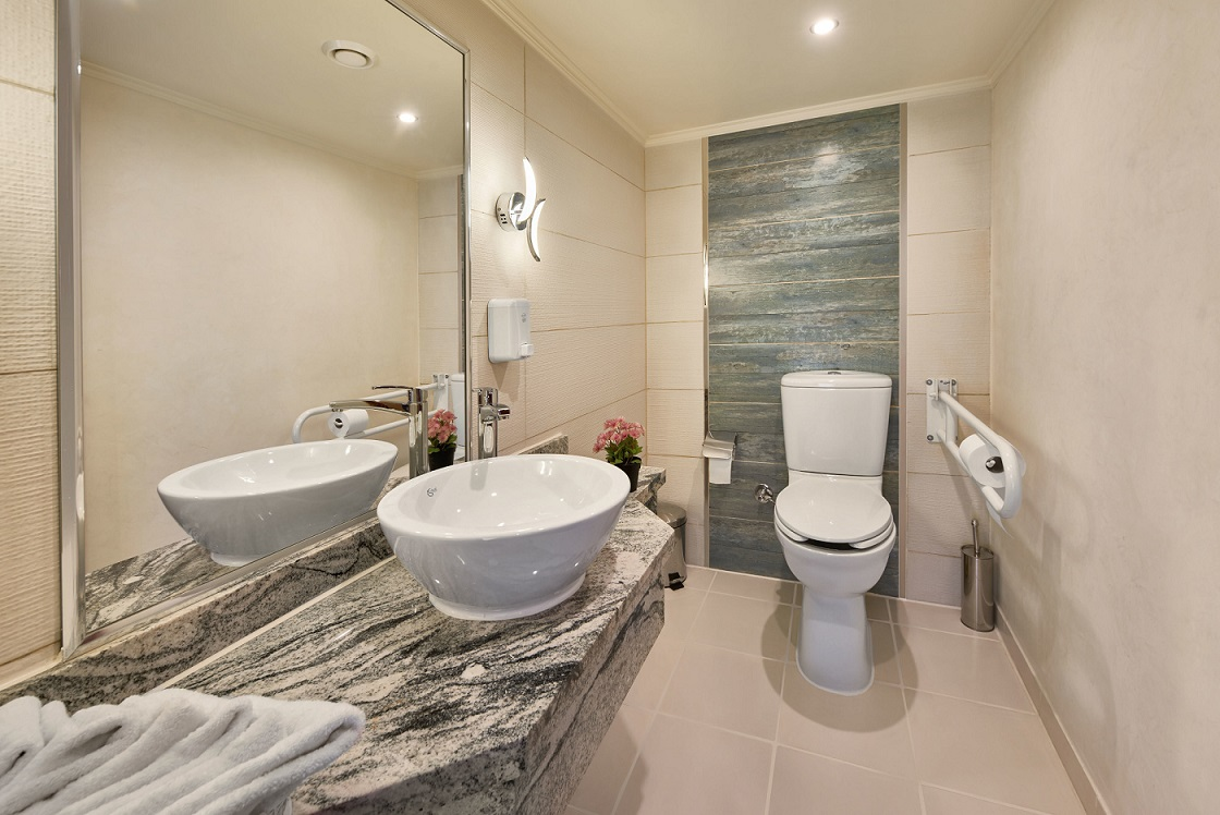 acamar-nile-cruise-wheel-chair-bathroom