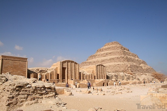 complex-of-saqqara-step-pyramid-of-zoser