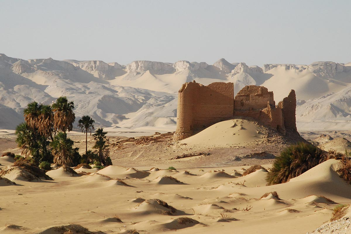 Kharga-Oasis-egypt-driest-place-on-earth-africa