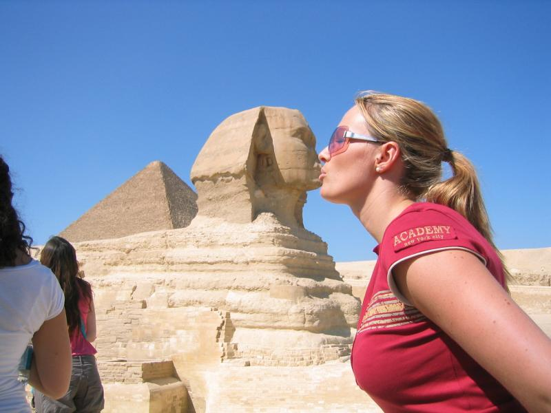 beautifulladykissessphinx.jpg